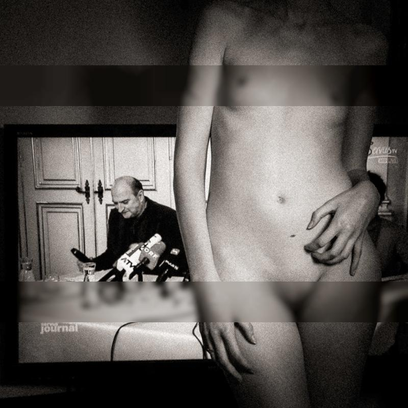 The television man / Everyday  photography by Photographer Matthias Naumann ★7 | STRKNG