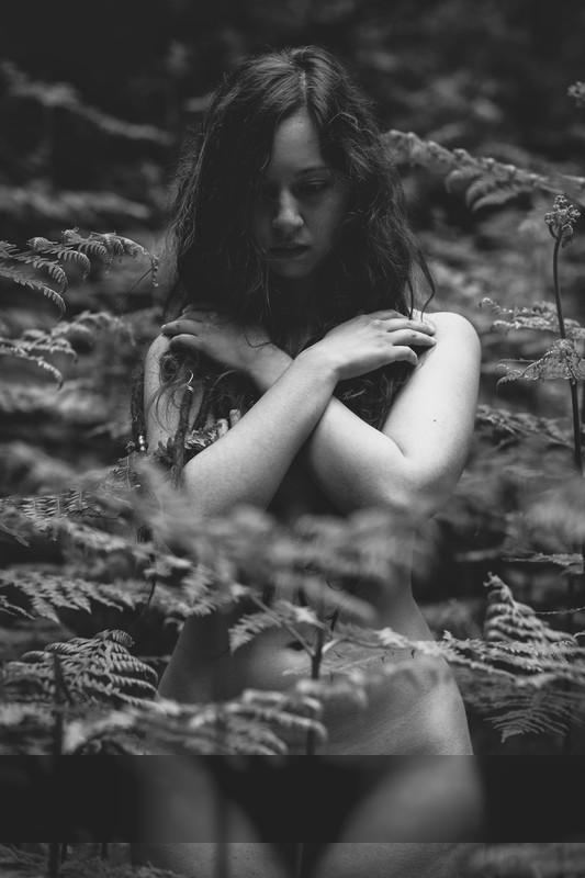 Renée Nesca | Disarm IV / Nude | photography by Photographer dunkeltraum ★13 | STRKNG