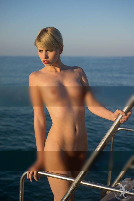 stainless steel / Nude  photography by Photographer Steves photography ★1 | STRKNG