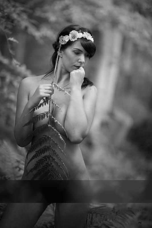 Farn / Nude  Fotografie von Model apunkt_lou ★4 | STRKNG